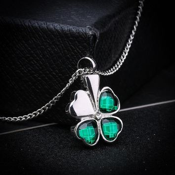 Cremation Jewelry Silver Plated  with Rhinestone Clover Shaped Urn Memorial Ash Keepsake Cremation Pendant Necklace for Unisx
