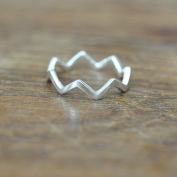 Sterling Silver Chevron Ring, Arrow Ring, Simple Thin Ring, Best Friends Rings, Zigzag Ring, Crown Ring