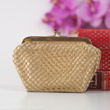 Golden Coin Purse with a Matching Hair Comb: Vintage Metal Frame Purse, Wallet, Pouch / Kiss Lock Frame