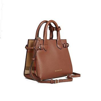 CREYIX5 Tote Bag Handbag Authentic Burberry The Baby Banner in Leather and House Check Ink Tan Item 40140781