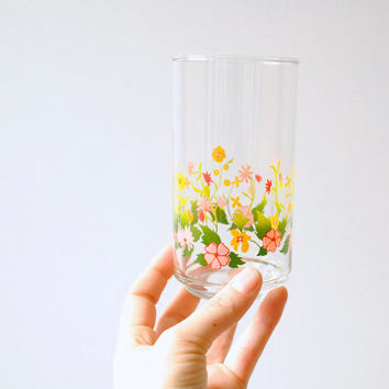 Drinking Glass Set / Four 14 Oz. Water or Juice Glasses with Floral Motif