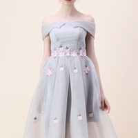 Waltz of the Flowers Airy Off-shoulder Dress in Grey