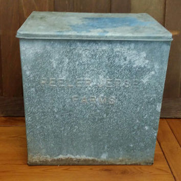 Vintage Galvanized Milk Cooler Milk Box Peeler Jersey Farms Gaffney South Carolina Great Farmhouse Industrial Decor Storage Planter