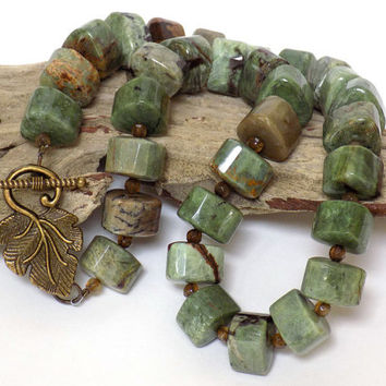 Jasper Necklace, Green Necklace, Gemstone Necklace, Beaded Necklace, Handmade Necklace, Handcrafted Jewelry, Short Necklace, Unique Necklace