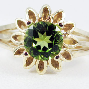 Peridot 14k Yellow Gold Sunflower Ring, August Birthstone Ring, Peridot Sunflower Ring, 14 Karat Yellow Gold Ring, Gold Peridot Ring