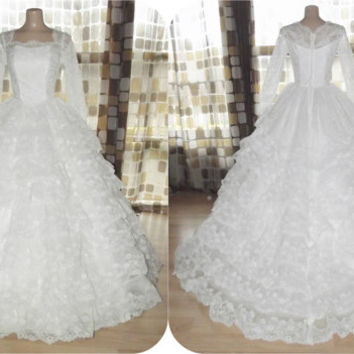 Vintage 50s AMAZING Sequin Lace & Tulle Tiered Cupcake Wedding Dress Ball Gown S/XS Sheer Illusion Long Sleeve Portrait Sweetheart Neckline