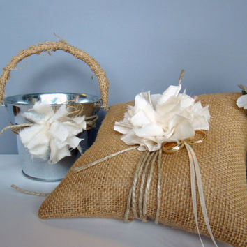 Burlap Ring Bearer Pillow, 2 piece set, Flower Girl Basket, Burlap Wedding, Summer Wedding, Rustic, Vintage, Pail
