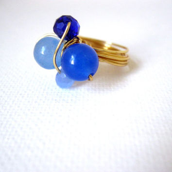 Dark and light blue cluster wire wrapped gold ring, stone ring, Jade ring, beaded ring, Sapphire ring, statement ring, chunky ring, size 5