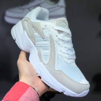 hcxx A1459 Adidas Originals YUNG-1 Retro Simple YEEZY700 Running Shoes White Gray