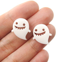 Adorable Laser Cut Acrylic Ghost Shaped Statement Stud Earrings in White