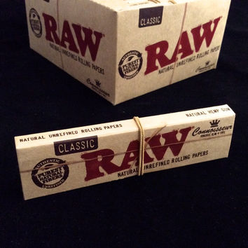 Raw - Organic Connoisseur King Size Slim Papers + Tips - 1 Book