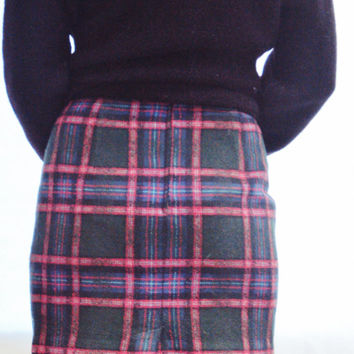 90s PLAID WOOL Mini Skirt XS, S / Schoolgirl / Bennetton / Wool / Made in Italy / Micro Mini