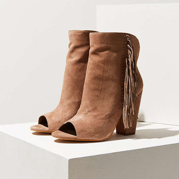 Dolce Vita Mazarine Ankle Boot - Urban Outfitters