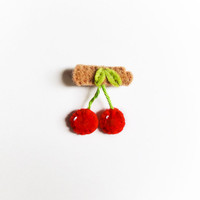 Felt cherry brooch, red, green, beige