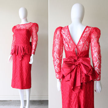 Vintage 1940s Old Hollywood Glamour Bombshell Red Lace Peplum Dress