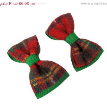 ON SALE Christmas Hair Clip, Red Plaid Hair Bow,  Baby Hair Clip or Hairbow, Toddler Hairclip, Hair Accessories, No Slip, Tartan, Holiday Bo