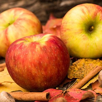 Apples and Oak