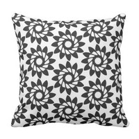 Simple flower pattern throw pillow