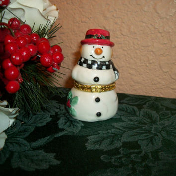 Red Hat Snowman Hand Painted Ceramic Trinket Box Ring Keeper Collectible Figurine Vintage Christmas Holiday Decoration