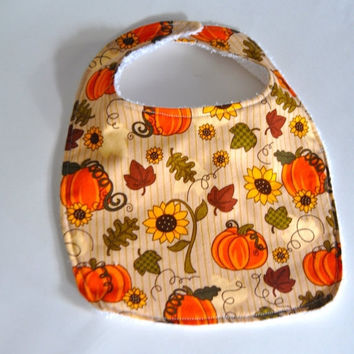 ON SALE Pumpkin baby bib, pumpkin bib, Fall bib, Fall baby bib, Thanksgiving bib, thanksgiving baby bib, pumpkin patch bib, Autumn baby bib