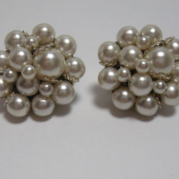 Vintage Faux Pearl Cluster earrings clip on by purrfectstitchers