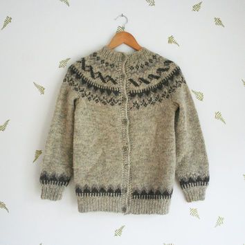 vintage 70s sweater / icelandic wool / scandinavian / knit cardigan / grey / nordic / pewter buttons / small medium