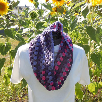 Textured Granny Cluster Cowl Scarf, Wildberry Crochet Loop, Neck Warmer Scarf, Wildberry Stripes