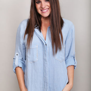 Denim Delaney Button Down Top {Blue}