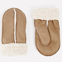 New Look Shearling Mittens in Brown