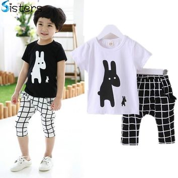 2017 Baby Boys Summer Cotton Clothes sets Cartoon Animal Printed Cool black white T-shirts+ lattice pants kids pajama clothing