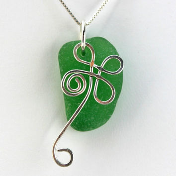 Four Leaf Clover Sea Glass Necklace by SeaglassReinvented