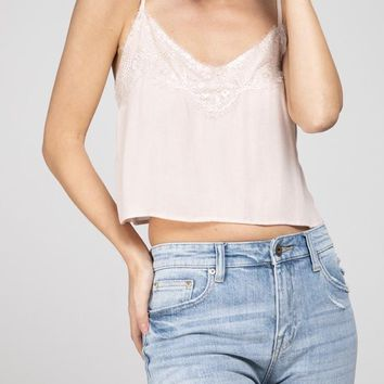 CROPPED LILY LACE TANK