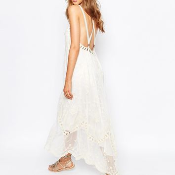 White Sand Ophelia Embroidered Lace Low Back Dress With Dipped Hem