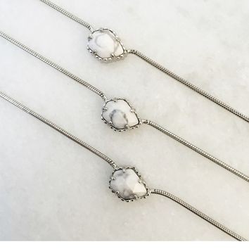 Mara Pendant Necklace in White Howlite - Kendra Scott Jewelry