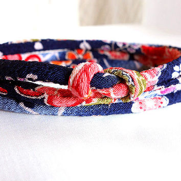 Kimono Bracelet, Japanese bracelet, Chirimen choker necklace, Bright Cherry blossom on Midnight blue  - HANA MORI -