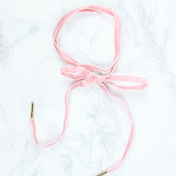 Feel Beautiful Choker - Blush