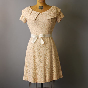 1960's Lace Mini Dress//Blush Lace Dress//60's Leslie Fay Dress