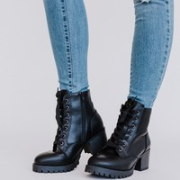 On Stomping Grounds Ankle Lug Boot - Black