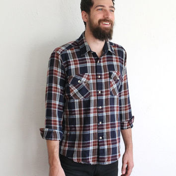 Vintage 80s Men's Navy Red Plaid Flannel Long Sleeve Shirt // Cozy Button Up