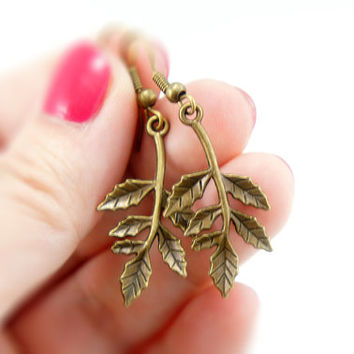 Dangle Leaf Earrings - Antiqued Brass Vintage Style Leaf Dangle Earrings - Bridesmaids Gifts Idea - CP060