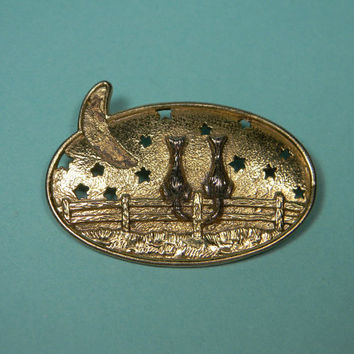 A Starry Cat Night Brooch or Pin, Gold Tone, Sweet