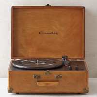 Crosley X UO Keepsake Wood AV Room Portable USB Vinyl Record Player | Urban Outfitters