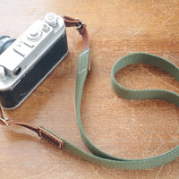 Classic leather camera strap: classic olive and brown