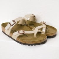 Metallic Ivory Soft Oiled Birkenstocks