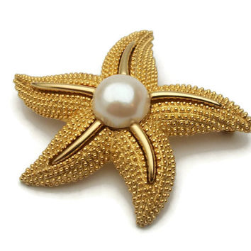 Gold Tone Faux Pearl Starfish Brooch - Vintage Textured Gold Tone Starfish Pin - Sea Creature Beach Cruise Jewelry