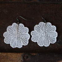 White embroidery hook dangle earrings, for the bride, wedding, embroidered earrings, flower