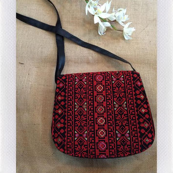 MAYA EMBROIDERY BAG- RED