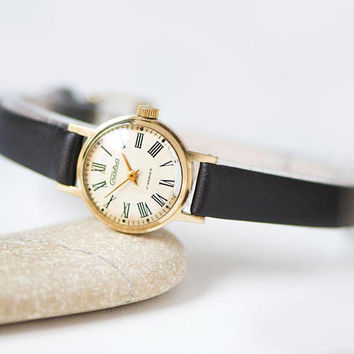 Roman numerals lady's watch vintage, gold plated woman's Glory, wristwatch classic gift her, retro lady watch, genuine leather strap new