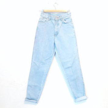 FREE SHIPPING - light wash high waisted denim - jordache high waisted jeans - straight fit high waisted pale denim - size 0 - 1