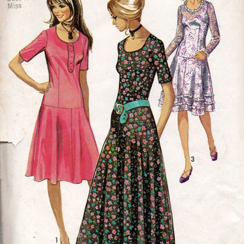 Simplicity 9298 Sewing Pattern 70s Retro Boho Hippie Style Drop Waist Dress Casual or Formal Scoop Neck Bust 32